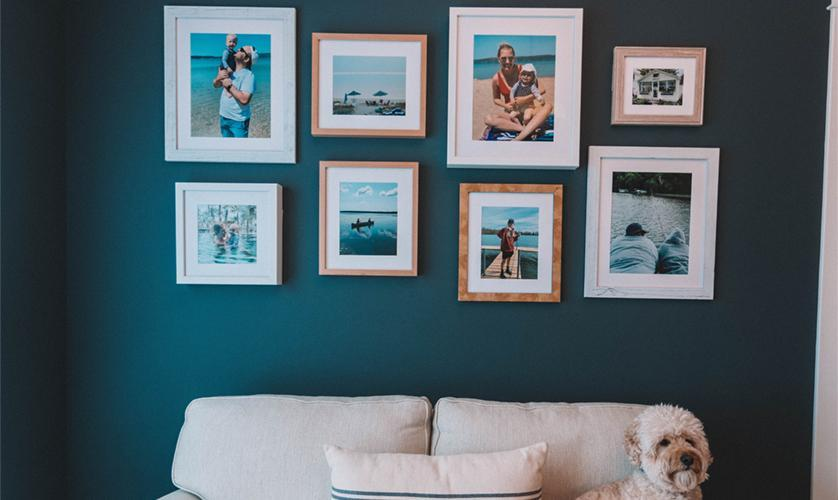 7 Expert Tips for the Most Striking Family Photo Wall